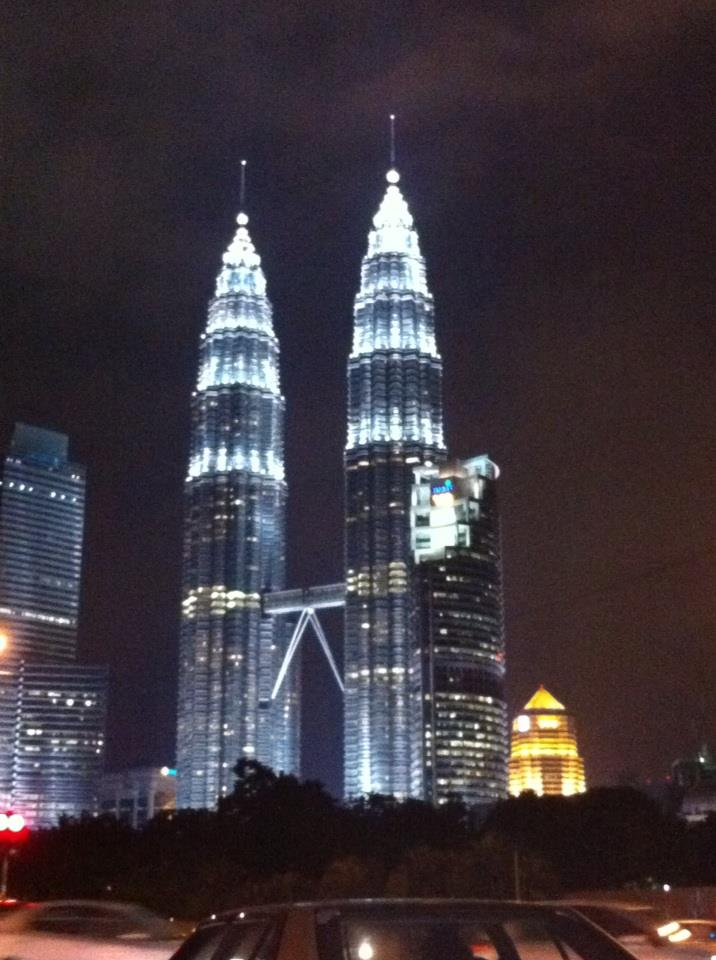 Petronas Twin Tower at night.